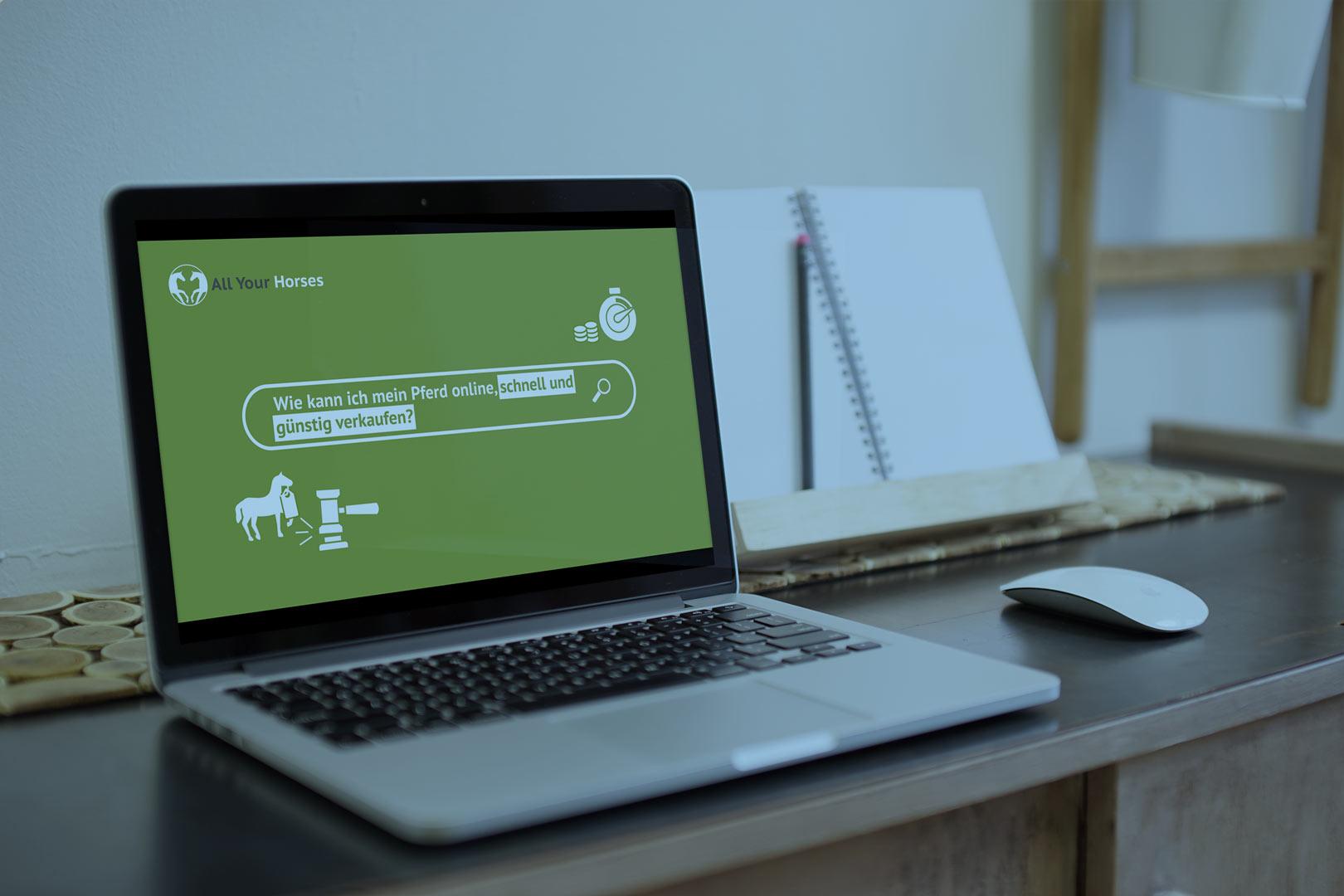 Referenz eines Kunden wird auf einem Laptop dargestellt.
