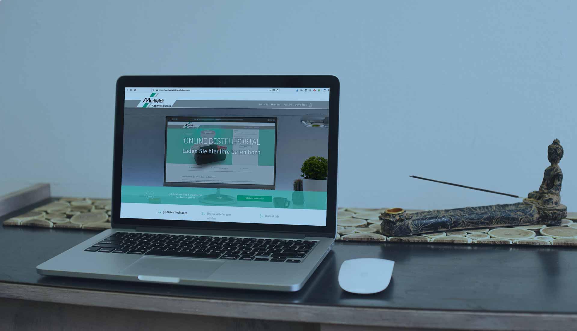 Laptop-Mock-Up: Startseite Murtfeldt Additive Solutions