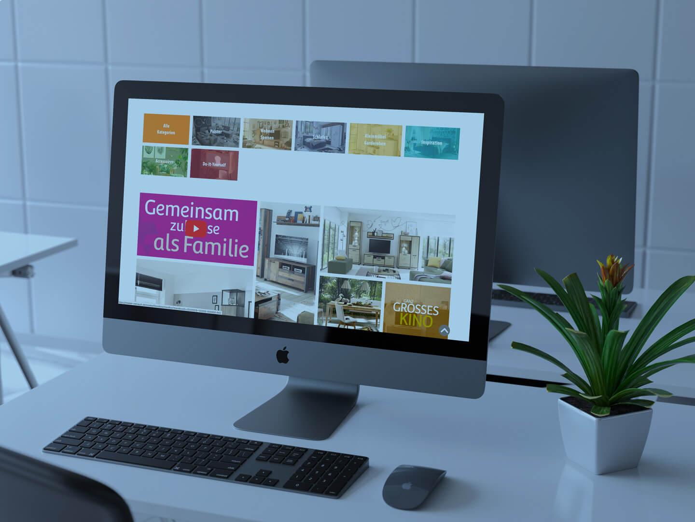 Referenz wird auf einem PC Bildschirm dargestellt.