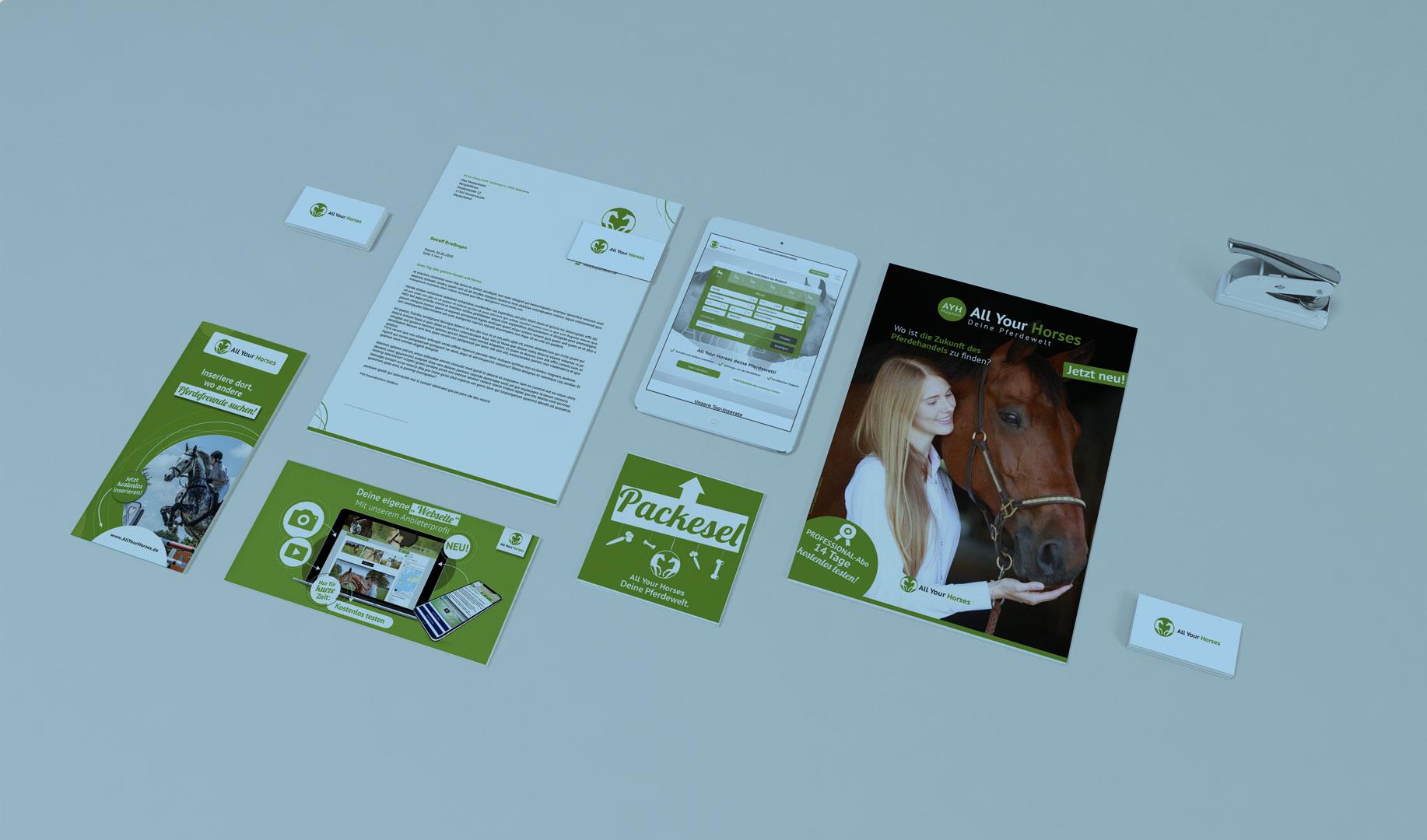 Verschiedene gestaltete Medien und Werbeanzeigen für das Pferdeportal All Your Horses